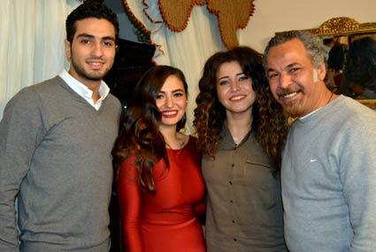 خطوبة محمد الشرنوبي على ابنة أمل رزق