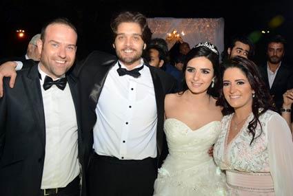 بعد 3 سنوات من الارتباط.. زفاف ياسمين جيلاني وعمر خورشيد
