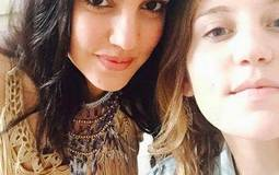 الممثلة التونسية درة مع شقيتها