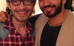 """تامر حسني يبارك لأحمد زاهر على مسلسل """"حكاية حياة"""""""