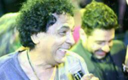 محمد حماقي يترك المسرح لمنير في حفل زفاف مي كساب وأوكا