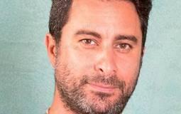 """هادي الباجوري يبحث عن ممثلة شابة """"لا تمانع تقديم أدوار جريئة"""""""