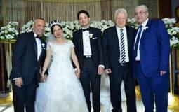 مرتضى منصور مع العروسين ووالد العروسس أحمد موسى