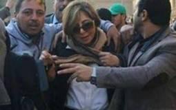 فنانون وإعلاميون يدعمون لميس الحديدي بعد الاعتداء عليها.. وعمرو أديب  غاضبا: العلاقة بين الإعلام والجمهور كلام