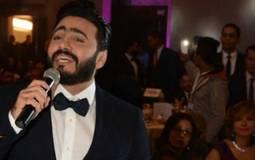 بالفيديو- تامر حسني يغني مع ابن مصطفى قمر