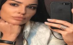 """بالفيديو- نادين نسيب نجيم تحتفل بعيد ميلادها في المستشفى على أغنية """"لأ لأ"""""""