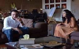 """ملخص أحداث الحلقة الثالثة والعشرون من مسلسل """"بين عالمين"""": """"طارق لطفي يحاول تهريب ابنته للخارج"""""""