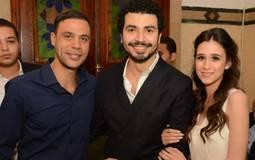 محمد إمام مع العروسين