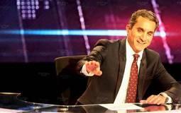"""صورة- باسم يوسف مع """"هبة رجل الغراب"""" الأصلية"""