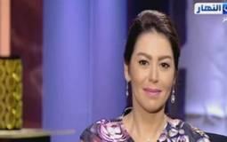 بالفيديو- لقاء الخميسي تبكي على الهواء.. وهذا ما قالته مي عز الدين عنها