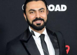 بالفيديو- محمد كريم يحصل على تخفيضات من متاجر روسيا بسبب محمد صلاح