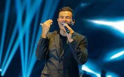 عمرو دياب في حفل ليلة رأس السنة في دبي