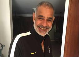 محمود البزاوي ساخرًا من صورته: وأنا عامل عميق