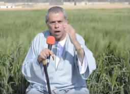 بالفيديو- توفيق عكاشة بالجلباب في أولى حلقاته:  ظهرت مجددا بسبب هذا الخطر الكبير على مصر