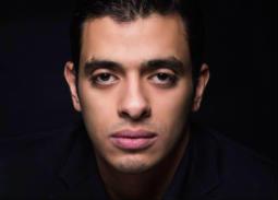 """محمد إبراهيم يسري لـ """"في الفن"""": أجسد دور ديلر في مسلسل """"أبواب الشك"""""""