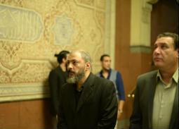 عمرو عبد الجليل يتقب العزاء في شقيقه
