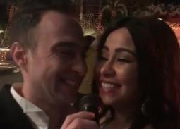 """بالفيديو- شيرين عبد الوهاب: حسام حبيب بعيدا عن الناس """"بيهريني دلع"""""""