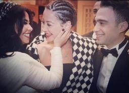 بالفيديو- هكذا رقصت منة شلبي في حفل زفاف شيرين وحسام حبيب