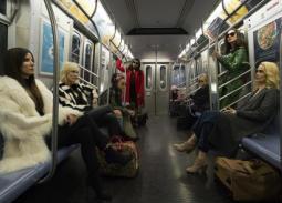بالفيديو - ساندرا بولوك تقود كيت بلانشيت وريانا لسرقة حفل Met Gala
