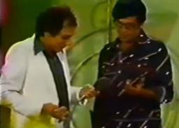 فيديو من التراث- سؤال وإجابة بين سمير غانم وعادل إمام في سهرة تليفزيونية بالألوان