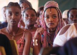 رسالة كان - الفيلم الكيني الممنوع Rafiki.. المثلية الجنسية على طريقة روميو وجوليت