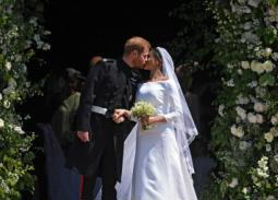 القبلة الأولى من الأمير هاري لعروسه ميجان ميركل