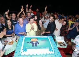 """محمد هنيدي يحتفل بانتهاء """"أرض النقاق"""""""