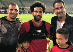 بالصور والفيديو- أمير كرارة تعقيبا على صورته مع لاعبي المنتخب المصري: رجالة مصر