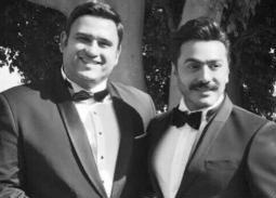 """بالفيديو- أكرم حسني يتسبب في نوبه ضحك لتامر حسني بسبب """"عيش بشوقك"""""""