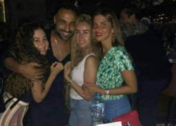 5 صور تثير تكهنات حول علاقة حب تجمع أحمد فهمي وهنا الزاهد