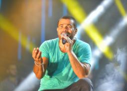 """بالفيديو - عمرو دياب يطرح أغنيته الجديدة """"يتعلموا"""""""