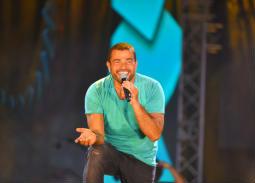 """تعرف على تفاصيل مسابقة عمرو دياب """"فرحنا بالهضبة"""""""