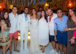 بالصور- محمد أنور يهنئ محمد إمام بزواجه