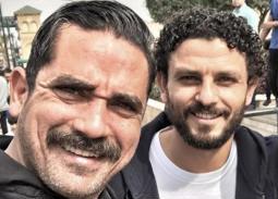 بالصور- مباراة كرة قدم تجمع أمير كرارة وكريم فهمي بحسام غالي
