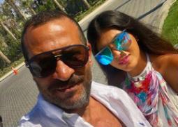 هنأ ماجد المصري زوجتها  من خلال نشره صورتهما سويا عبر حسابه على Instagram، وعلق عليها يهنئها بعيد ميلادها وتمنى استكمال العمر معها.