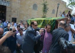 19 صورة من جنازة جميل راتب.. محمد صبحي وعزت العلايلي وأشرف زكي يودعونه إلى مثواه الأخير