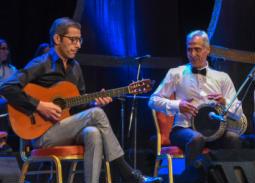 بالصور- عازف الجيتار وحيد ممدوح: سعيد بلقاء الجمهور في الإسكندرية