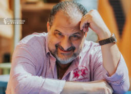 """خالد الصاوي بشكل مختلف ويحاول قتل نفسه في الإعلان الدعائي الأول لفيلم """"الضيف"""""""