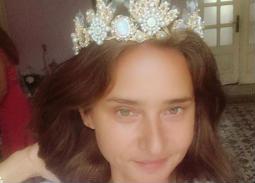نشرت نيللي كريم صورة لها وهي تضع تاجا على رأسها وكتبت: كل فتاة تستطيع أن تكون أميرة