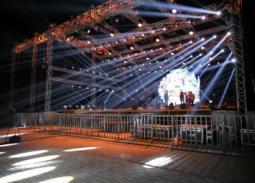 تجهيزات حفل تامر حسني بالجامعة الامربكية بالتجمع الخامس