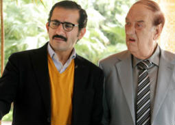هذه رسالة أحمد حلمي لحسن حسني بعد تكريمه في مهرجان القاهرة السينمائي الـ 40