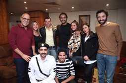 """صورة- كريم فهمي عن فرقة """"مسرح مصر"""": أخف دم في مصر"""