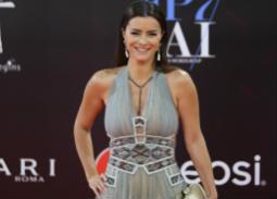 نور اللبنانية وموقف محرج في ختام  القاهرة السينمائي