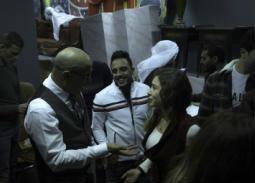 """بالفيديو- لقطات من مسرحية """"رمي جتت"""" أحدث عروض """"مسرح مصر"""" بحضور مي عز الدين"""
