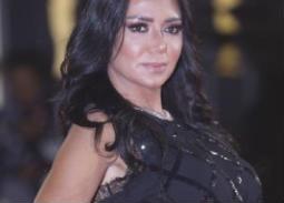 """قراء """"في الفن"""" يختارون فستان رانيا يوسف الأجمل في ختام مهرجان القاهرة السينمائي"""