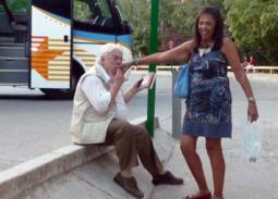 13 صورة لحسن كامي وزوجته التي عاش على ذكراها