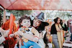 بالصور والفيديو- ساندي تستعين بـ Toy Story في الاحتفال بعيد ميلاد ابنها