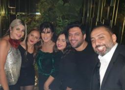 بالصور والفيديو- يسرا وفيفي عبده ومحمد إمام ومصطفى شعبان يحتفلون بعيد ميلاد نيللي كريم