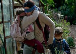 شبكة Netflix ترفض إزالة هذه اللقطات من فيلم Bird Box بعد تعرضها لانتقادات