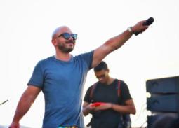 """صورة- محمود العسيلي يستعرض """"تاتو"""" جديد على اسم ابنه"""